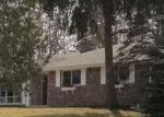 Foreclosed Home en E BONNIE BROOK LN, Waukegan, IL - 60087