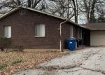Foreclosed Home en DAWN VALLEY DR, Maryland Heights, MO - 63043
