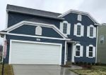 Foreclosed Home en W FORK RIVER DR, Fowlerville, MI - 48836