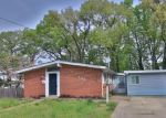 Foreclosed Home en GLOUCESTER DR, Glen Burnie, MD - 21061