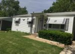 Foreclosed Home en CHERRYVALE DR, Hazelwood, MO - 63042
