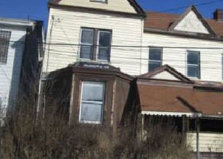 Casa en ejecución hipotecaria in Pittsburgh, PA, 15206,  TENNIS ST ID: A1721543