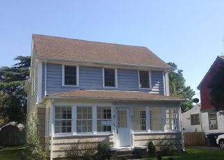 Foreclosed Home en DECATUR ST, Portsmouth, VA - 23702
