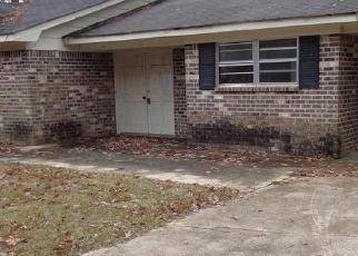 Foreclosed Home in GOLDEN LEAF CIR, Carrollton, AL - 35447