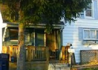 Foreclosed Home en ELM ST, Bay City, MI - 48706