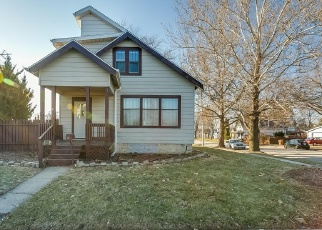 Foreclosed Home en N CHICAGO AVE, South Milwaukee, WI - 53172