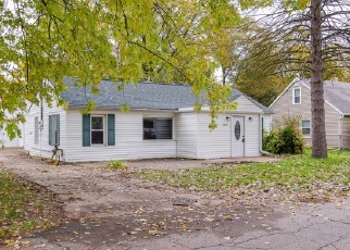 Foreclosed Home en WESTMONT AVE, Lansing, MI - 48906