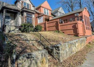 Casa en ejecución hipotecaria in Kansas City, MO, 64124,  GARNER AVE ID: F1321592