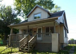 Foreclosed Home en W FAIRVIEW AVE, Milwaukee, WI - 53213