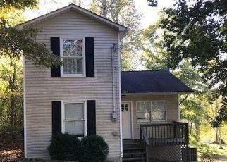Foreclosed Home in LAKE BROOK LN, La Follette, TN - 37766
