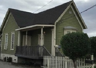 Foreclosed Home en RIKER ST, Salinas, CA - 93901