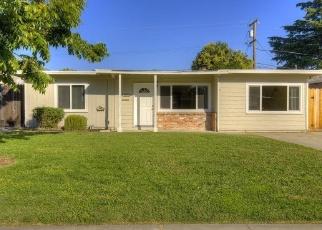 Casa en ejecución hipotecaria in Stockton, CA, 95207,  DOUGLAS RD ID: F2045089