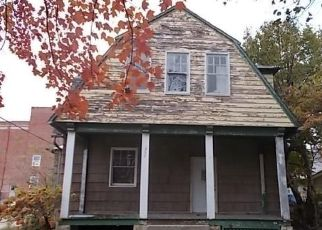Foreclosed Home in S 7TH ST, Hiawatha, KS - 66434