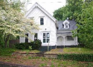 Casa en ejecución hipotecaria in Norwich, CT, 06360,  11TH ST ID: F2704033