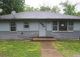 Foreclosed Home en SHADOWROCK DR, Forsyth, MO - 65653