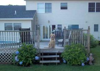 Foreclosed Home en DUCKY LN, Mastic Beach, NY - 11951
