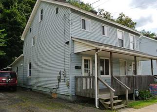 Foreclosed Home en 5TH AVE, Ford City, PA - 16226
