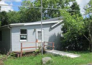 Foreclosed Home en Rosewood Dr, Genoa City, WI - 53128