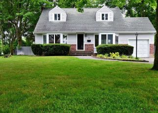 Foreclosed Home en TERRY LN, Commack, NY - 11725