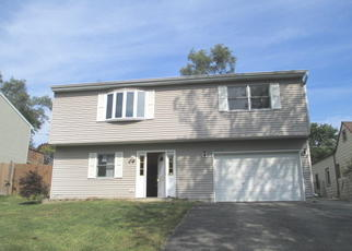 Foreclosed Home en HILLSIDE DR, Mchenry, IL - 60050