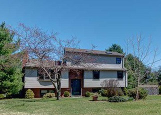 Foreclosed Home en ALPINE DR, Burlington, CT - 06013