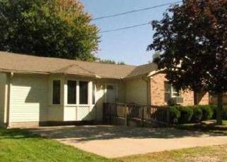 Foreclosed Home en SAINT CLAIR BLVD, Algonac, MI - 48001