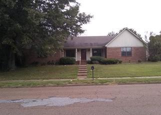 Foreclosed Home in CHIMNEYROCK BLVD, Cordova, TN - 38016