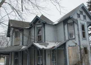 Foreclosed Home in N Mulberry St, Waldron, IN - 46182