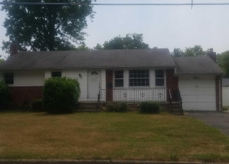 Foreclosed Home in Kipling Dr, Greenlawn, NY - 11740
