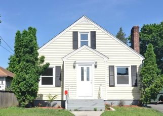 Foreclosed Home in OVERLAND AVE, Pawtucket, RI - 02860