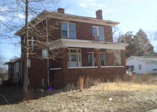 Foreclosed Home in E LINDELL ST, West Frankfort, IL - 62896