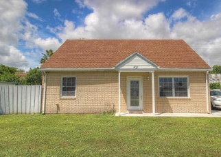 Foreclosed Home in KIRK RD, Lake Worth, FL - 33461