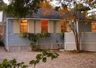 Foreclosed Home en MEDDIN AVE, Tybee Island, GA - 31328