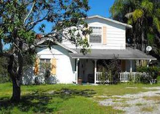 Foreclosed Home en E ORANGE AVE, Eustis, FL - 32726