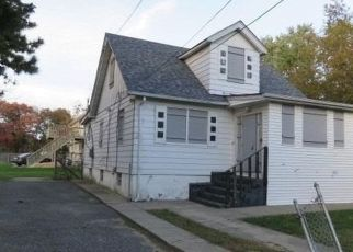 Foreclosed Home in ARIZONA AVE, Bay Shore, NY - 11706