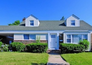 Foreclosed Home en 109TH AVE, Queens Village, NY - 11429