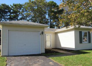 Foreclosed Home in KENT DR, Brick, NJ - 08723