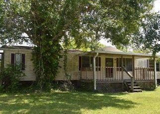 Foreclosed Home en S LIME ST, Fellsmere, FL - 32948