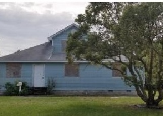 Foreclosed Home en E WINTHROP ST, Avon Park, FL - 33825