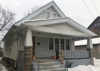 Foreclosed Home en S 21ST ST, Milwaukee, WI - 53204