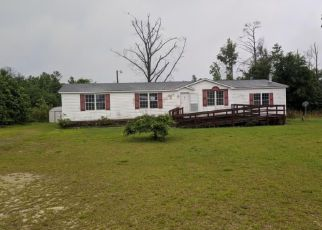 Foreclosed Home in CORNER OAK LN, Saint Pauls, NC - 28384