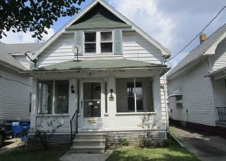 Foreclosed Home en E STREICHER ST, Toledo, OH - 43608