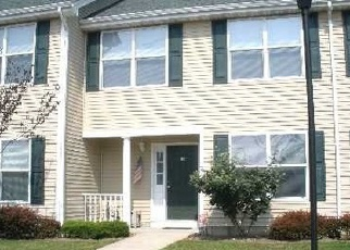 Foreclosure Home in Bay Shore, NY, 11706,  AUTUMN CT ID: F3717251
