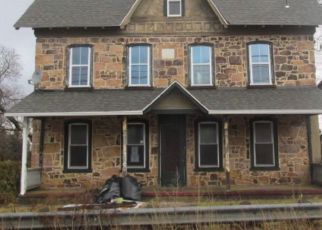 Foreclosed Home en BETHEL CHURCH RD, Spring City, PA - 19475