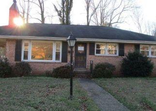 Casa en ejecución hipotecaria in Petersburg, VA, 23803,  WEAVER AVE ID: F3829607
