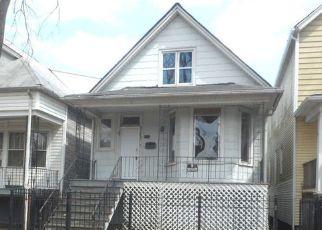 Casa en ejecución hipotecaria in Chicago, IL, 60617,  S MUSKEGON AVE ID: F3838741