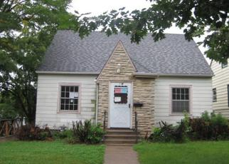 Foreclosed Home en 5TH ST E, Saint Paul, MN - 55106