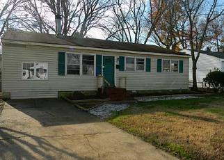 Casa en ejecución hipotecaria in Hampton, VA, 23666,  HEADROW TER ID: F3890628