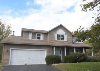 Foreclosed Home en FOXWOOD DR, Baldwinsville, NY - 13027