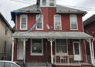 Casa en ejecución hipotecaria in Reading, PA, 19601,  PEAR ST ID: F3977033